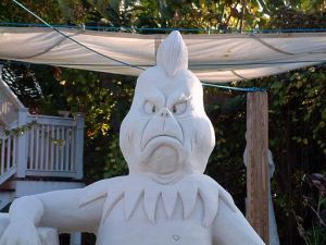 121206 Grinch_sand_sculpture