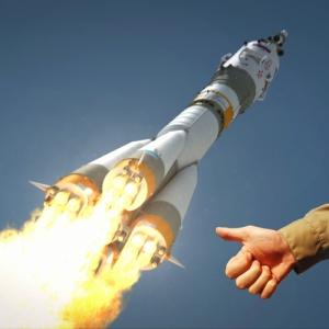 140801 Soyuz & Thumb